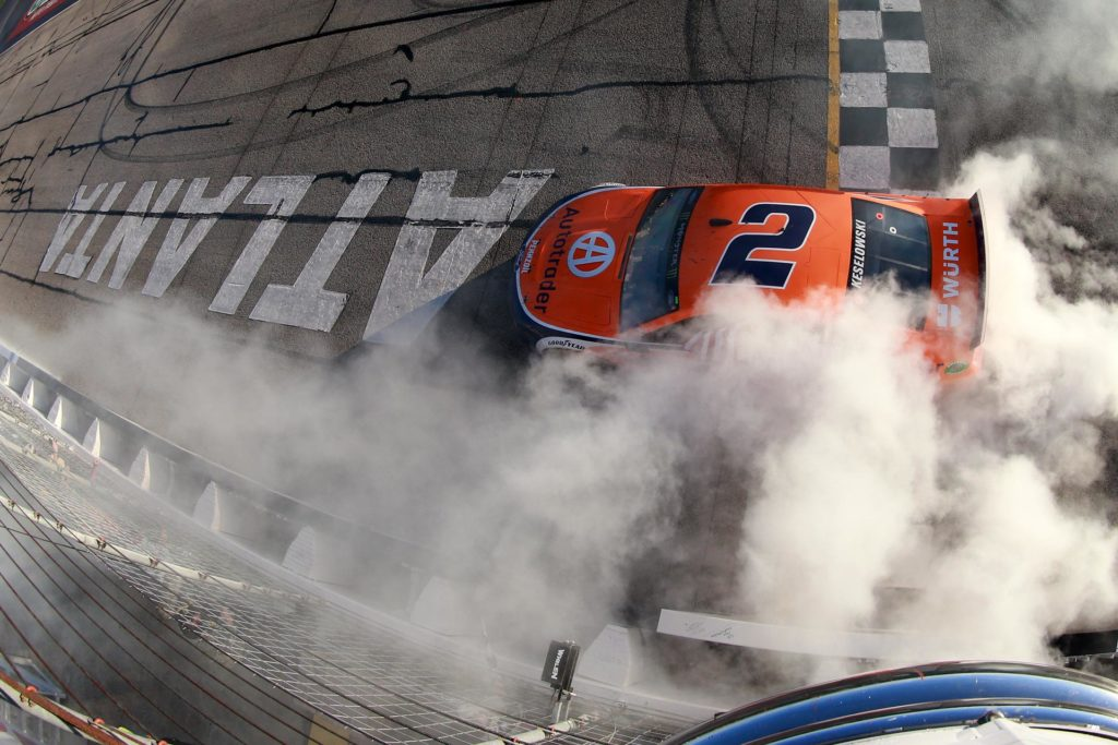 Brad Keselowski wins the Folds of Honor QuikTrip 500