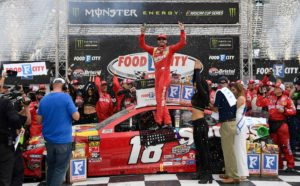 Kyle Busch wins the Food City 500 at Bristol Motor Speedway.