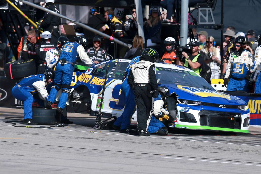 Chase Elliott found trouble for the second straight week, and is in a must-win situation heading to ISM Raceway