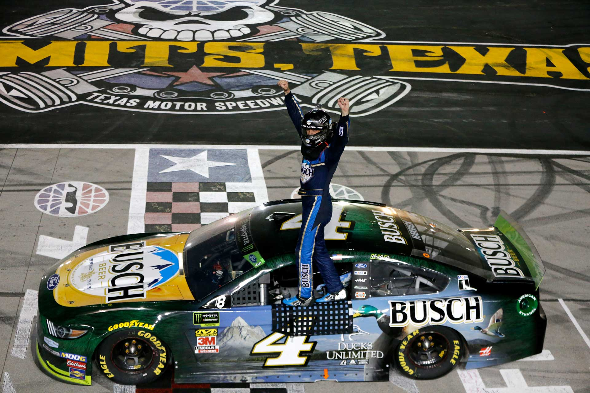 Harvick Wins AAA Texas 500 and Clinches Spot in Playoff Finale